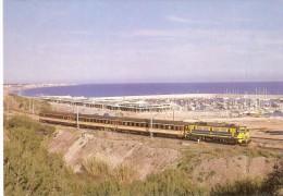 Nº395 POSTAL DE ESPAÑA DE UN TREN A SU PASO POR EL GARRAF (SITGES)(TREN-TRAIN-ZUG) AMICS DEL FERROCARRIL - Trenes