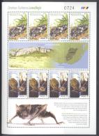 URUGUAY , 2014 , MNH,BATS, FROGS, AMPHIBIANS, SHEETLET WITH ILLUSTRAED GUTTERS, - Kikkers