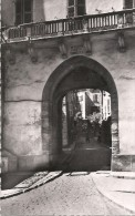 HYERES - 83 -   Porte Fenouillet  --- VAN - - Hyeres