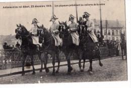 AVENEMENT DU ROI ALBERT 23/12/1909 LES PIQUEURS PRECEDANT LA VOITURE DE LA REINE - Manifestations