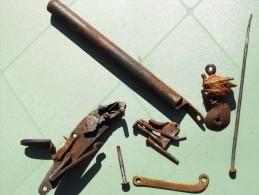 Pièces Détachées D´un Pistolet Ou Fusil à Silex 18em - Armes Blanches