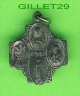 MÉDAILLE RELIGIEUSE - CROIX - AVE - ST JOSEPH PRAY FOR ME - ST CHRISTOPHE PROTECT ME - - Religion & Esotérisme