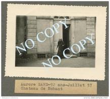 RARE Photo Amateur AURORE SAND (petite Fille De George Sand) - CHATEAU DE NOHANT 1957 - Celebrità