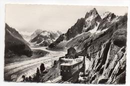 CHAMONIX-MONT-BLANC--1964--La Mer De Glace Et Le Chemin De Fer Du Montenvers (train),cpsm 14 X 9 N°1370 éd CAP - Chamonix-Mont-Blanc