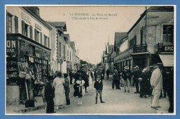 44 - La BERNERIE -- La Place  Du Marché.... - La Bernerie-en-Retz