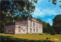 Cpsm TAILLEBOURG 17 La Mairie - Autres Communes