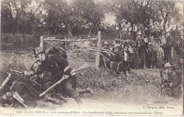 Cpa - Ypres - Les Carabiniers Belges Repoussent Une Patrouille De Uhlans ( En L'état ) - Other
