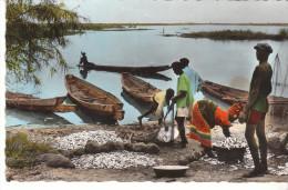CPSM AFRIQUE NOIRE RETOUR DE PECHE - Postales