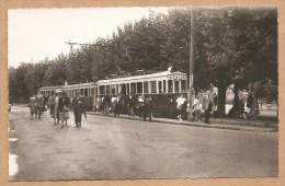 BELLE C.P.S.M. - NEUVILLE Sur SAONE (Rhône) - 44360 - Arrivée Du Train Bleu - TRAMWAY - TRAIN - Neuville Sur Saone