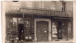 """Carte Photo A Situer ,"""" Maison Surget Levesques """" Belles Devantures De Commerce - Cartes Postales"""