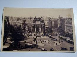 Voiture, Car , Fiacres , Place Saint Michel , Paris 1932 , Belle Animation - Taxi & Carrozzelle