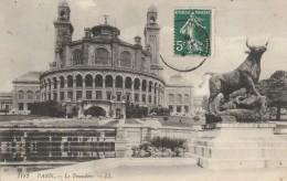 PARIS -75- LE TROCADERO - TAUREAU - France