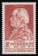 Timbre De France  1946   ' '  Yvert  748 ** MNH   ' '   2 F. + 3 F.  Alfred Fournier ( 1832-1914 ), Médecin - Frankreich