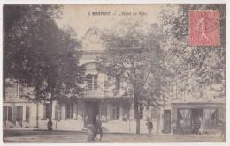 Monpont Sur L´Isle - L'Hôtel De Ville - France
