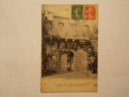 Carte Postale - Environ De CLERMONT FERRAND (63) - Château De Tournoël - Porte D'entrée (1842) - Clermont Ferrand
