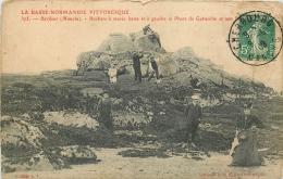 50 BARFLEUR Rochers A Marée Basse Animée - Barfleur