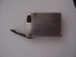 Briquet Ancien En Aluminium à Identifier - Aanstekers