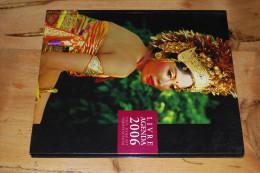 Livre Agenda NEUF 2006, Photos Couleurs, Femmes Seins Nus, Naked Breasts, Nackten Brüsten, Topless, Desnudo, Café - Blank Diaries