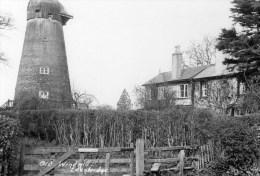 Photograph - Edenbridge Windmill, Kent. A - Lieux