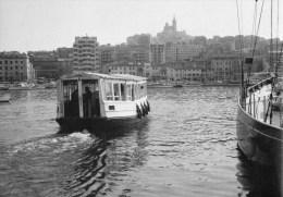 53Or   13 Marseille Le Ferryboat Dans Le Vieux Port (pas Courante) - Old Port, Saint Victor, Le Panier