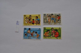 ANGUILLA 1981 FAUNA HONDEN KINDEREN PLAYING TOYS DOGS HUNDE CHIENS PERROS UNICEF SG 470 MNH ** - Anguilla (1968-...)