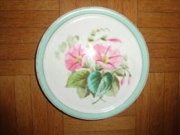 1 Dessous De Table -faience Ou Autre Porcelaine Peut Etre-)-. Decor Capucine Sous Reserve - Art Populaire