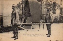 03 BOURBON-L'ARCHAMBAULT  Chaise à Porteur - Bourbon L'Archambault
