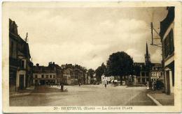 27 BRETEUIL ++ La Grande Place ++ - Breteuil