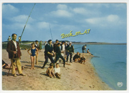 {74925} La Côte D´ Opale , Pêcheurs Dans La Baie - Fishing