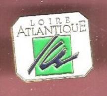 42674-Pin's-Loire Atlantique. - Städte