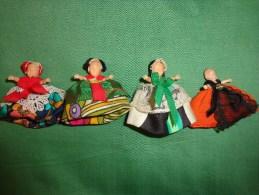 Lot De 4 Poupees Tres Petite(atypique)..-- - Dolls