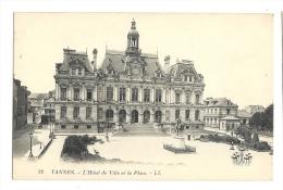 Cp, 56, Vannes, L'Hôtel De Ville, Et La Place - Vannes
