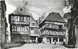 Dinan (Côtes-du-Nord) - Place De L'Apport - Vieilles Et Pittoresques Maisons - Carte La Cigogne N°6, Non Circulée - Dinan