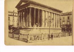 PHOTO ANCIENNE  Sur Carton -  NIMES  La Maison Carrée - Photographe Carlos BRAUN  Avignon Et Arles- Recto Verso - Photos