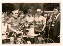 16 Charente Baignes Coureurs Cyclistes Vélo  Photo Alain Metreau Baignes - Cyclisme