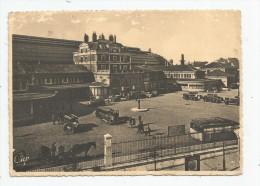 Cp , Automobiles , 2 Scans , Taxis & Fiacres , DIJON , La Gare , Mini-bus , Voyagée 1945 - Taxi & Carrozzelle