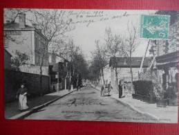 """CPA  42 LOIRE  MONTBRISON - """"Avenue De La Gare""""  1910  Ed: Michel Potard - Montbrison"""