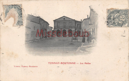 17 -TONNAY BOUTONNE - Les Halles -  2  Scans - Autres Communes