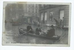 CPA ANIMEE PARIS, ANIMATION, HOMMES EN BARQUE RUE DE L'UNIVERSITE LORS DES INONDATIONS DE 1910, PARIS 75 - Inondations De 1910