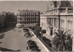 MONTPELLIER LA PREFECTURE ET RUE DU MARECHAL FOCH VOITURE - Montpellier