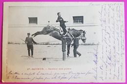 Cpa Militaria Saumur Sauteur Aux Piliers 1901 Carte Postale Ecole Militaire Cavalerie Equitation Cheval - Regimente