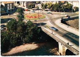 Brive: CITROËN 2CV, DS & AMI, AUTOBUS/COACH, SPEEDING CABRIO - Le Rond-Point Du Pont Cardinal (Corrèze, France) - Passenger Cars