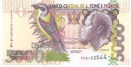 S. THOMAS E PRINCE 5000 DOBRAS 2004 PICK 65b UNC - Sao Tome And Principe