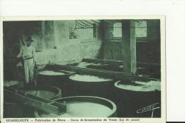 GV4   --  GUADELOUPE   --  FABRICATION DU RHUM   --  CUVES DE FERMENTATION DU VESOU  ( JUS DE CANNE ) - Guadeloupe