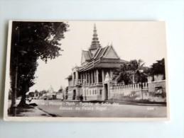 Carte Postale Ancienne : CAMBODGE : PNOM-PENH : Façade Et Salle Des Danses Du Palais Royal, En 1931 - Cambodia