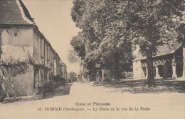 DOMME  LA HALLE ET LA RUE DE LA  POSTE - Frankreich