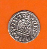 Superbe DENIER  AU TEMPLE LOUIS LE PIEUX 822/840 - 751-987 Monnaies Carolingiennes