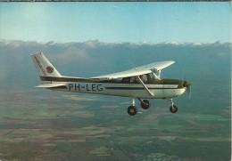 NL.- Thema - Vliegtuig. PH-LEG. Reims / Cessna F150M. Vliegveld Flevo, Harderwijk. 2 Scans - 1946-....: Moderne