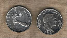 TANZANIA -  1 Shilling 1992  KM22 - Hand Holding Torch - Tanzanía