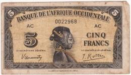 BILLET 5FRANCS 1942 PICK 28  BANQUE DE L AFRIQUE OCCIDENTALE BON ETAT VOIR SCAN - Estados De Africa Occidental